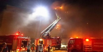 Bandırma'da AVM'de Korkutan Yangın