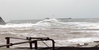 Gemideki Mürettebat, Helikopterle Kurtarıldı