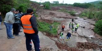 Bartın'da 17 Köye Ulaşım Sağlanan Yol Çöktü