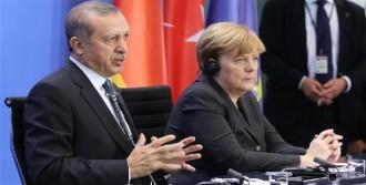 Erdoğan ve Merkel Basın Karşısında