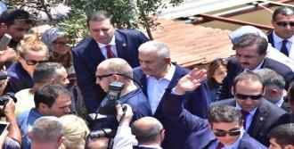 Başbakan Şehit Ailesini Ziyaret Etti