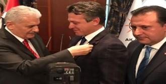 Başbakan'a 'Evet' Şapkalı Ziyaret