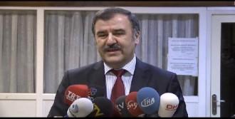 Başhekim: 'maalesef Yaşar Kemal'in Hayati Tehlikesi Var'