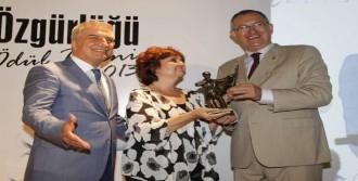 Basın Özgürlüğü Ödülü Sahibine Ulaştı