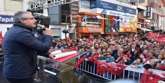 Başkan Bateri Çaldı, Karşıyakalılar İzmir Marşı Söyledi