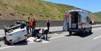Tatil Yolunda Kaza: 8 Yaralı