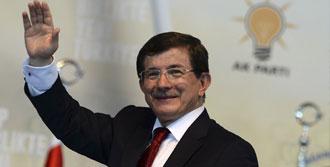 Davutoğlu, AK Partili Kadınlara Seslendi