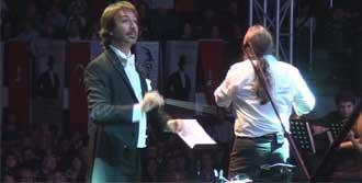 Şef ve Orkestrasına Tam Not