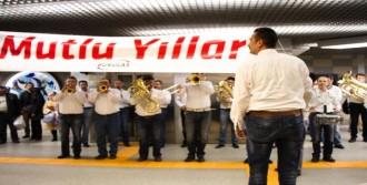 Tren İstasyonunda Sürpriz Konser