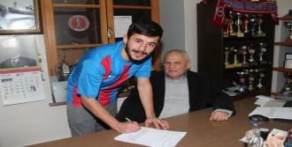 Bergama Belediyespor Oğuz'la İmzaladı