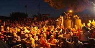 Bergama'da Darbe Girişimi Lanetlendi