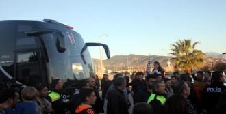 Beşiktaş Kafilesi Gazipaşa'ya Geldi