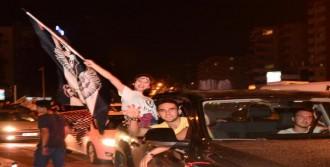 Beşiktaş'ın Şampiyonluğu Adana'da Kutlandı