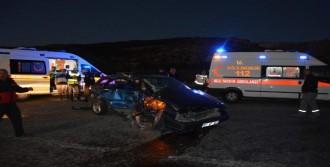 Besni'de Kaza: 9 Yaralı