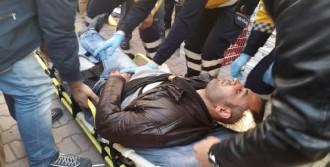Bıçaklandı, Sigara İçerek Ambulans Bekledi