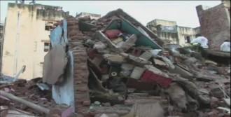 Bina Çöktü: 8 Ölü, 40'tan Fazla Yaralı