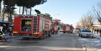 Binanın Alt Katında Çıkan Yangın Korkuttu