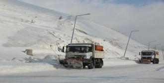 Bitlis'te 245 Köy Yolu Ulaşıma Kapandı