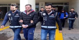 Göçmen Kaçakçılığından Tutuklandı