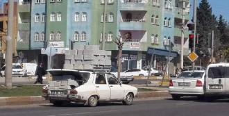 Briket Yüklü Otomobil Şaşırttı