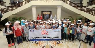 Bursa Valisi Küçük'ün Erzurumlu Konukları