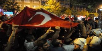 Bursa'da Gergin Yürüyüş