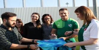 Bursaspor, Mersin'e Gençlerle Hazırlanıyor