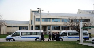 Bursaspor Tesislerinde Polis Önlemi