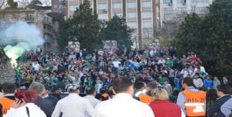 Bursasporlu Taraftarlardan Protesto
