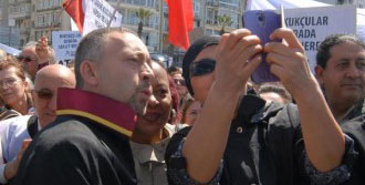 İzmir'de 'türkiye Adaletini Arıyor' Mitingine Binlerce Avukat Katıldı; 'tünelin Ucu Görünmüştür'