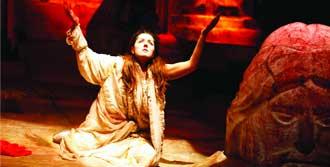 'Antigone' Sanatseverlerle Buluşuyor