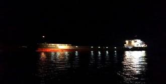 Dümeni Arızalanan Gemi Karaya Oturdu