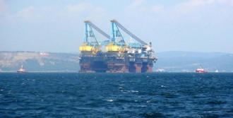 Çanakkale Boğazı'ndan Dev Gemi Geçti