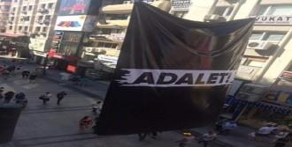 Çarşı'da 'Adalet' Afişi