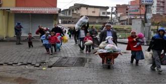 Vatandaşlar  Cizre'den Kaçıyor