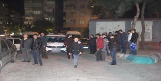 Çatıya Çıkan Genci Polisler İkna Etti