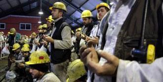 8 İşçi Dualarla Anıldı