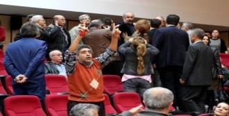 Cemevi Kararı Çıkmadı, Aleviler Protesto Etti