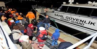 Çeşme'de 60 Kaçak Yakalandı