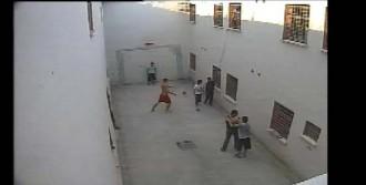 Cezaevinde 'Öldüren Dayak' Davası