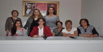CHP Konak'ta Kadın Kolları Görevden Alındı