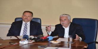 Adana'da Adaylardan Basın Toplantısı