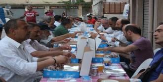 CHP'den Sokaktaki Emekçilere İftar