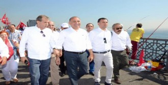 CHP'liler Galata Köprüsü'nde Yürüdü