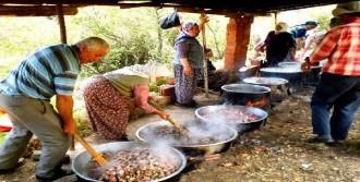 Çiftçiler, Yağmur İçin Olcak Dede'ye Akın Etti