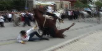 Cirit Sporcusu Atıyla Yere Böyle Düştü
