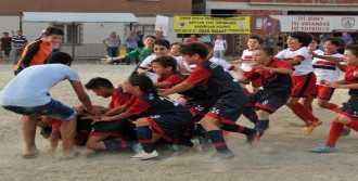 Çocuk Festivali'nde Altınordu'ya Çifte Kupa