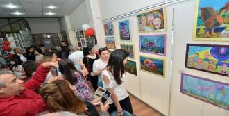 Çocuk Ressamlardan 'Küçük Eller' Sergisi