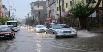 Çorlu'da Sağanak Yağmur