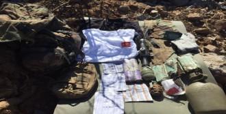 Pkk'lılar Silah Ve Teçhizatlarını Bırakarak Kuzey Irak'a Kaçtı